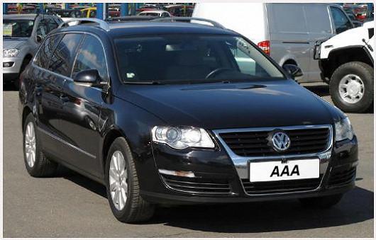 Spolehlivý a elegantní VWPassat 2.0 TDI combi, černá metalíza, z roku 2007, po 1. majiteli, najeto pouze 97800 km