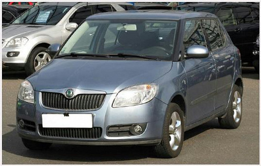 Vyhledávaný model Škoda Fabia 1.2 hatchback, z roku 2008, po 1. majiteli, najeto pouze 66 598 km