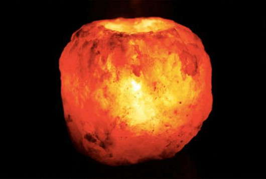 Dekorační svícen, který pročistí vzduch a navodí atmosféru
