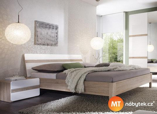 Kolik potřebujete místa v posteli? Elegantní manželské dvoulůžko ho má pro vás tak akorát
