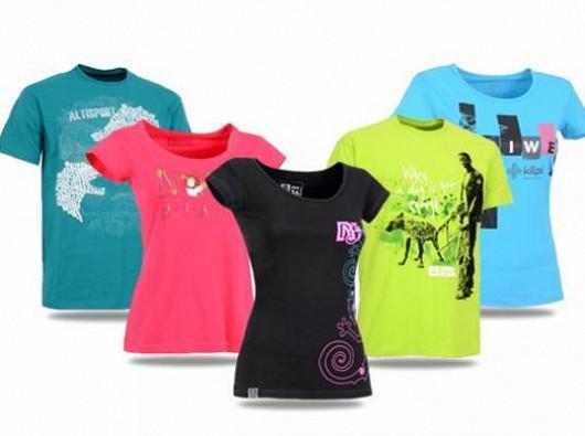 a3a4313ac7e7 Nepřehlédněte  Nyní jarní softshell bundy a originální trička se ...