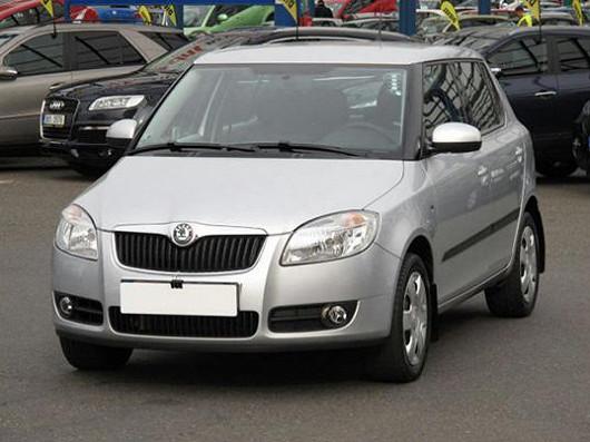 Vyhledávaný model Škoda Fabia 1.2 hatchback, z roku 2008, po 1. majiteli, najeto pouze 46 820 km
