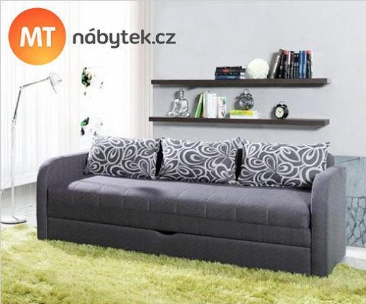 Dokonalá proměna obýváku na ložnici. Pro ty, co musí doma šetřit místem