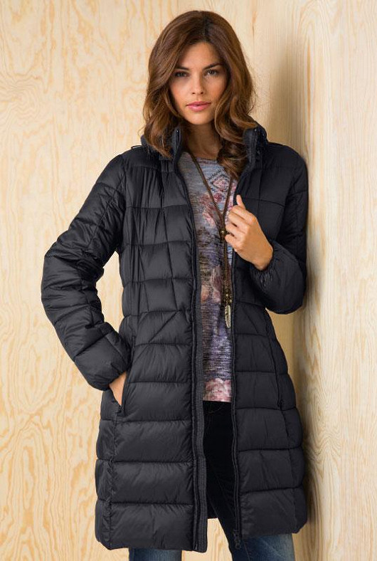 Zachumlejte se do trendy kabátu
