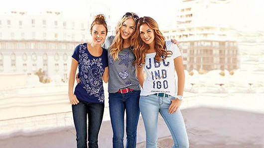Dámské džíny - trendy kalhoty jako z filmového plátna