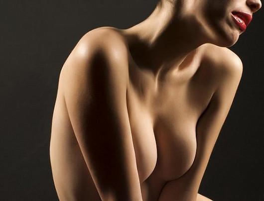 Zvětšení prsou silikonovými implantáty