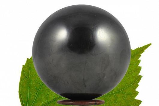 Harmonizující kámen pro všechna znamení, který pohlcuje záření a dokáže čistit vodu