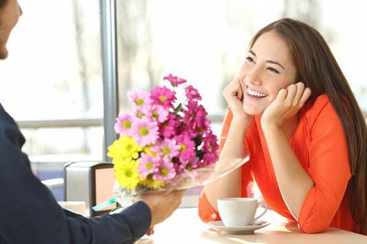 Nemějte obavy z oslovení nebo z odmítnutí. Vyměňte konečně samotu za život v páru!