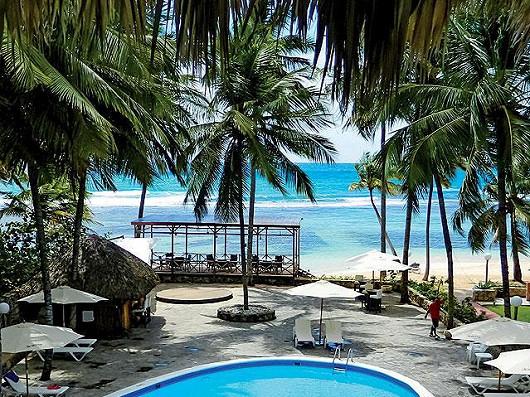 REZERVUJ – Playa Esmeralda