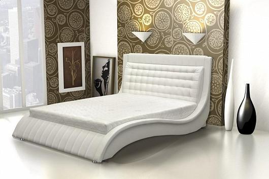 Luxusní postel Valencia s kvalitní matrací a lamelovým roštem