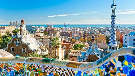 Barcelona – španělská kráska s bělostnými plážemi a kouzelnými zákoutími