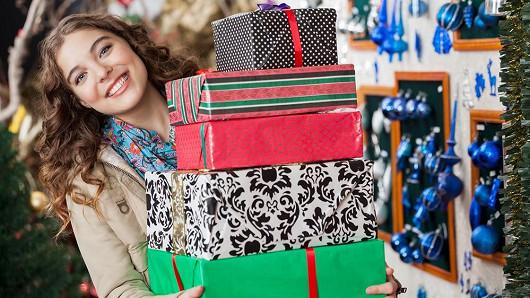 Nakupte dokonalé dárky, které rodinu ohromí