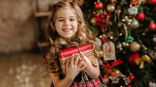 Přesto nestíháte? Není všem dnům konec. Na prodejnách OKAY je otevřeno i na Štědrý den!