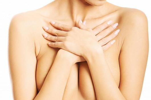 Jak si vylepšit vzhled svých prsou?