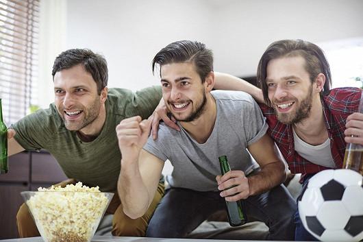 Do své vlastní TV přitom skupují jednu sportovní soutěž za druhou