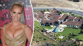 Britney Spears se zbavila tohoto monstrózního sídla.