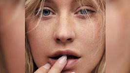 Christina Aguilera na titulce magazínu Paper