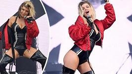 Fergie by se kromě hlasu mohla živit i svým tělem...