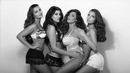 Anife se svými sestrami jako Kardashianky.