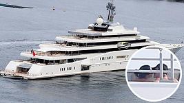 Katy Perry s Orlandem Bloomem na jachtě Eclipse