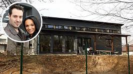 Bártovi se stěhovali do domku v Mukařově.