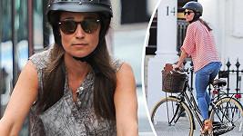 Pippa Middleton jezdí po Londýně na kole.