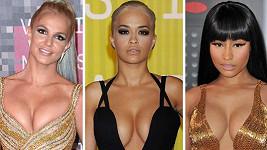 Udílení MTV Video Music Awards bylo přehlídkou odvážných outfitů.