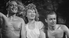 Svatopluk Beneš, Zorka Janů, Václav Sova ve filmu Ohnivé léto (1939)