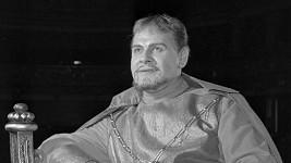 Vítězslav Vejražka jako Hamlet