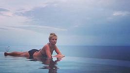 Lucie Hunčárová a její kolegyně vypadají v plavkách skvěle.