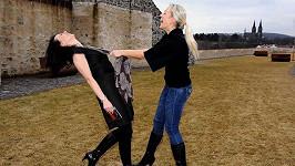 Na snímku s Terezou Mátlovou je vidět, že je Dáša opravdu hubená jako lunt.
