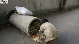 Čínský bezdomovec bydlí v tomto potrubí.