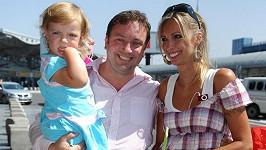 Jan Moťovský s manželkou a dcerou Kateřinou týden před svým zmizením.