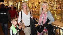 Lucie s maminkou a osmiletým synem Tomášem