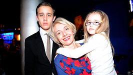 Veronika Žilková se synem Vincentem a dcerou Kordulkou na archivní fotce.