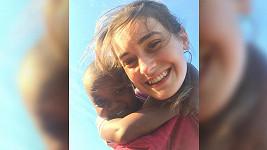 Sarah Haváčová tráví prázdniny v tanzanském sirotčinci.