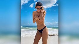 Veronika Kopřivová si užívá na dovolené.
