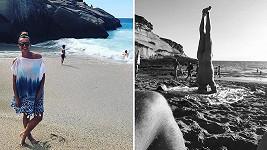 Alice Bendová v Tenerife navštěvuje nudapláž.