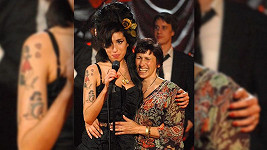 Amy Winehouse s matkou Janice