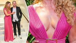 Diana Mórová oslnila hosty zářivým outfitem, který toho moc nezakrýval.