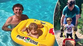 Herec si užívá prázdniny s manželkou a synem.