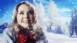 Lucie Vondráčková ve svém novém videoklipu.