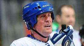 Mirek Topolánek na pražském charitativním hokejovém utkání HC Olymp proti ruskému týmu Pod Flagom Dobra