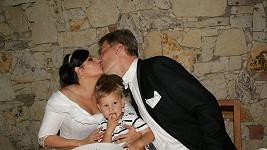 Ilona s Radkem a Danielem u svatební polévky.