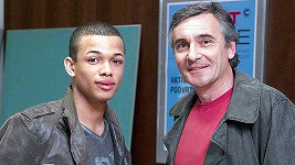 V seriálu Ordinace v růžové zahradě 2 hraje Ben Maxe Suchého, syna Jana Čenského.