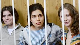 Pussy Riot za mřížemi.