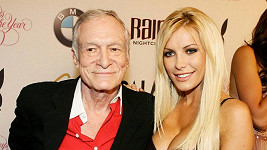 Hugh Hefner s Crystal Harris.