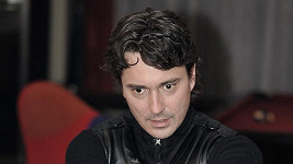 Saša Rašilov jako chladnokrevný vrah.