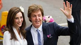 Novomanželé Paul McCartney a Nancy Shevell