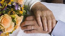 Dvojice toužila po manželství, na poslední chvíli se nemocné ženě splnil její sen. Ilustrační foto.
